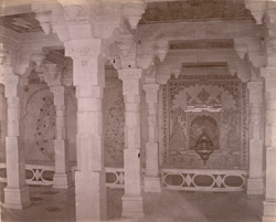 Pillared hall with glass and mirror mosaic decorations, in the Jalnavas or Fountain Palace, City Palace, Udaipur